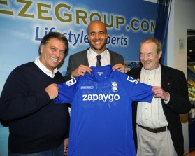 Mike (r) with Blues goalkeeper Darren Randolph and Gary Smith from EZE Group.